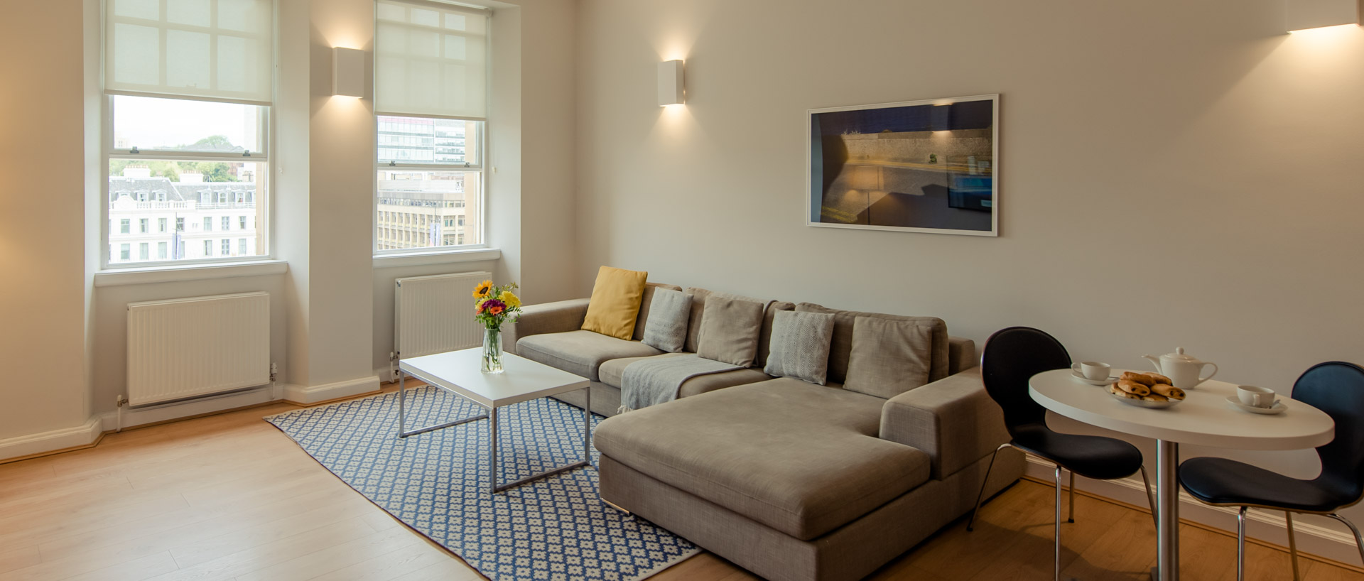PREMIER SUITES PLUS Glasgow two bedroom serviced apartment