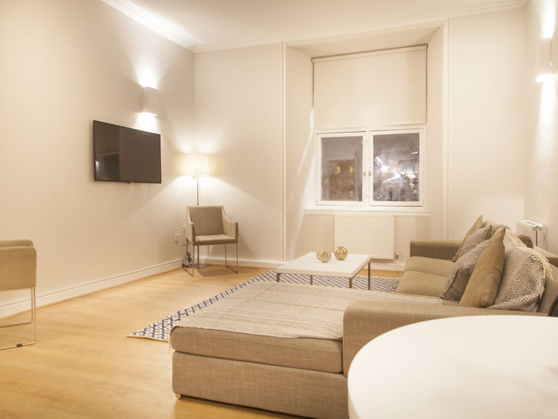 PREMIER SUITES PLUS Glasgow penthouse living room at our serviced apartments