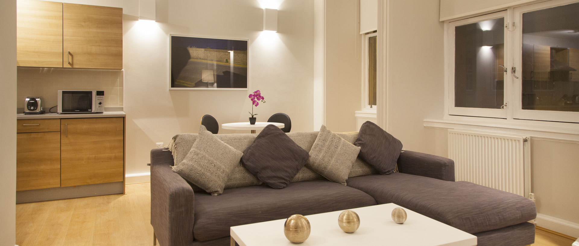 Spacious living area in PREMIER SUITES Glasgow