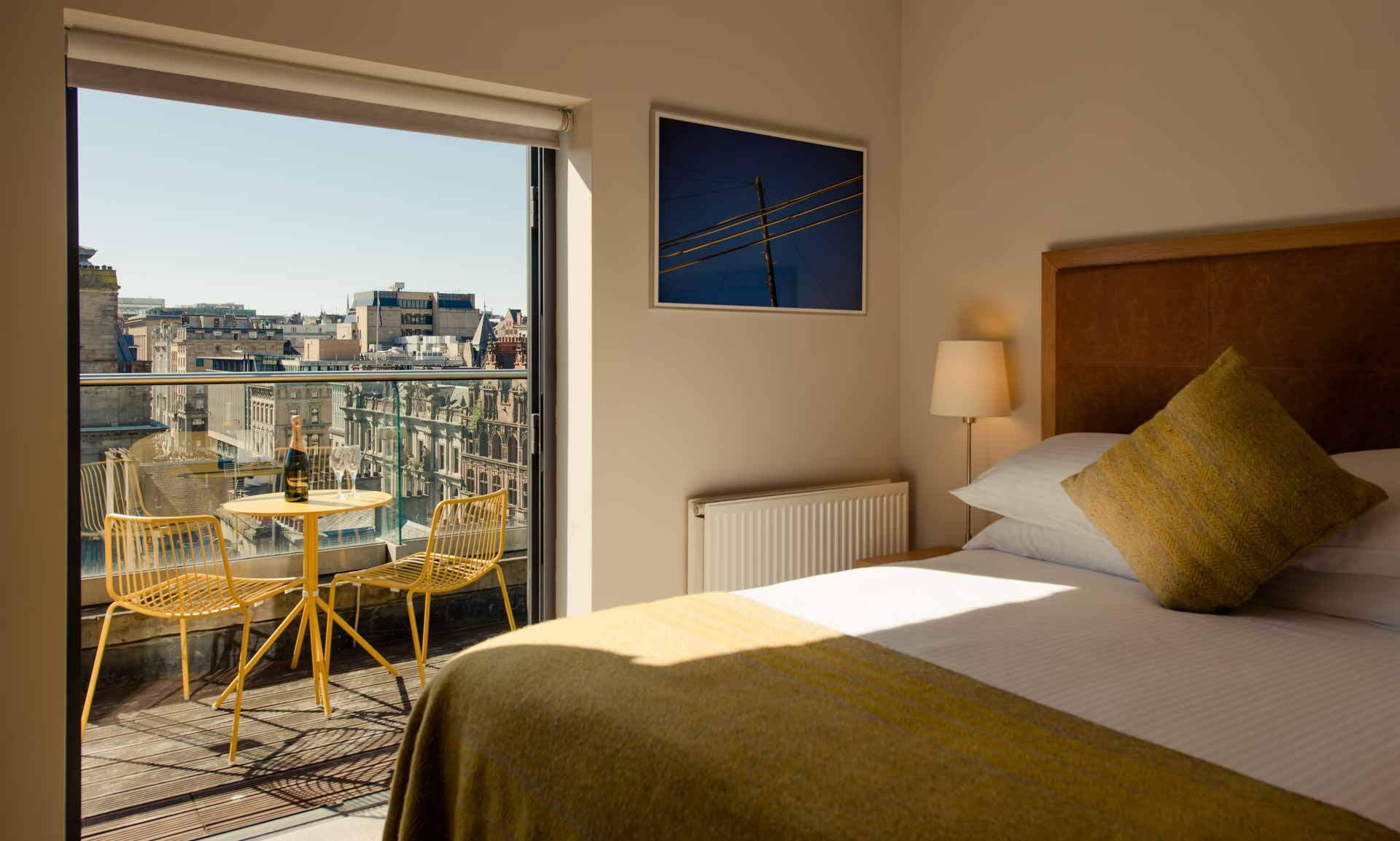 Penthouse bedroom with balcony PREMIER SUITES PLUS Glasgow George Square