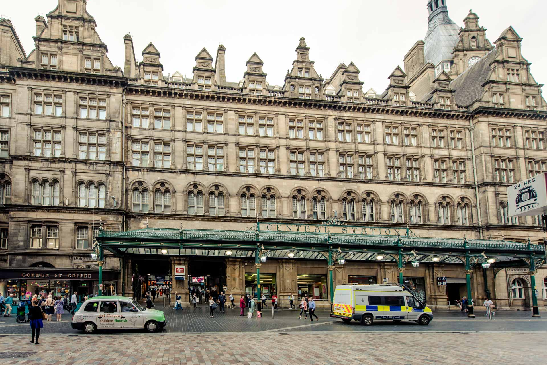 Central Station close to PREMIER SUITES PLUS Glasgow George Square